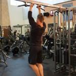 Как накачать широчайшие мышцы спины на турнике  узким хватом